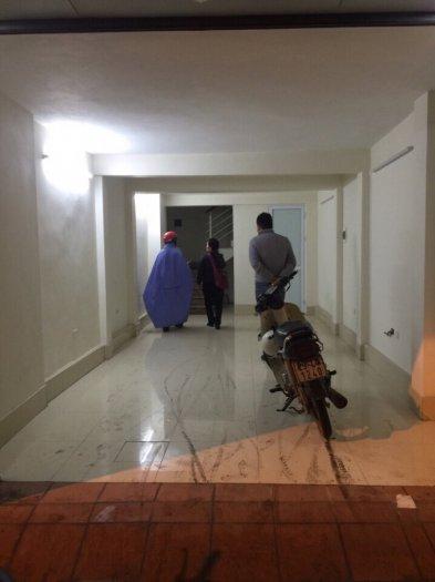 Cho thuê nhà xây mới mặt phố Trấn Vũ, Ba Đình 25tr/tháng