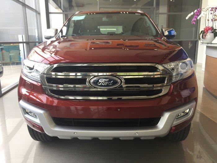 Ford Everest 2.2L Titanium Khuyến Mãi Khủng 1