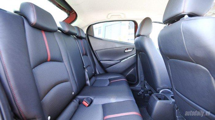 Bán xe Mazda 2 1.5 sedan màu trắng . cam kết giá rẻ nhất Vĩnh Phúc 7
