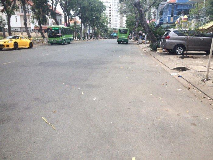Mặt tiền đường 65 Tân Quy Đông, DT 6x20m, giá 11 tỷ, cách Nguyễn Thị Thập 150m