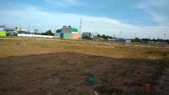 Đất nền ngay chợ Rạch kiến đường TL 826 Dt 100m2