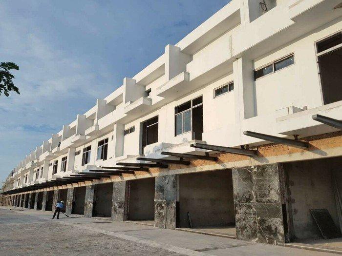Nhà phố liền kề 100m2 đất.đường 7.5m.Hướng đông. 2 tầng 3 phòng ngủ .
