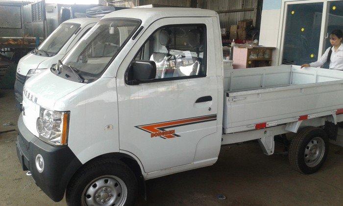 Xe Dongben 870kg thùng lửng màu trắng đời mới 1