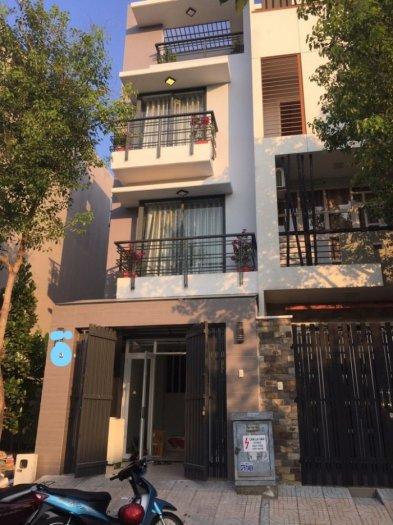 Xuất ngoại bán rẻ nhà phố tuyệt đẹp đường Tân Quy Đông,Q7,DT 4mx20m, 1 tiệt 2 lầu