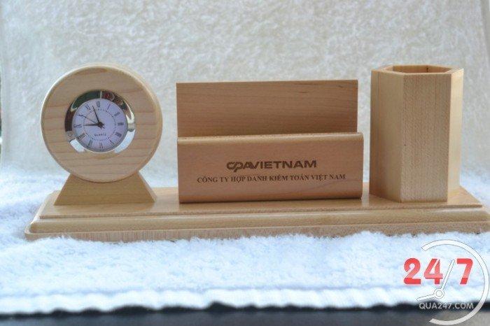 Cung cấp quà tặng gỗ để bàn khắc logo1