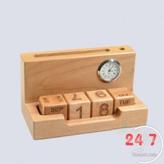 Cung cấp quà tặng gỗ để bàn khắc logo3