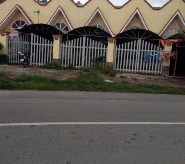 Bán gấp ngôi nhà mặt tiền 5 căn ngay đường Hùng Vương,Phước An,Nhơn Trạch