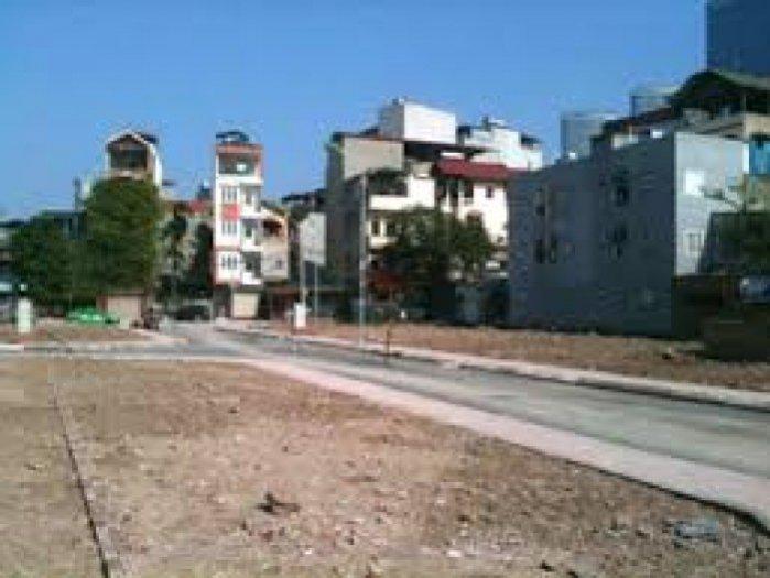 Tôi chủ đất cần tiền bán lại lô đất mặt tiền đường Trưng Nữ Vương, hóc môn, shr