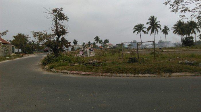 Cần bán đất thổ cư nằm trên đường Lý Thường Kiệt nối dài đối diện khách sạn FAIFO Plaza.