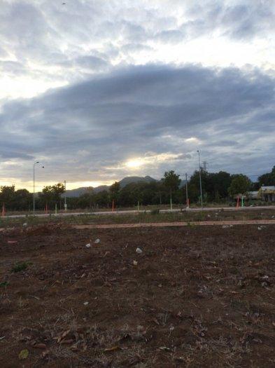 Bán Đất ngay Hương Lộ 2 gần chợ hòa long DT 100m2
