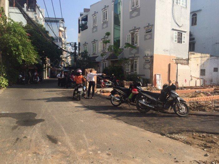Bán gấp nhà nát HXH chợ Phạm Văn Hai, P2, Tân Bình.