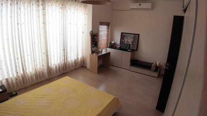 Cho thuê nhà mặt tiền nguyên căn đường Nguyễn Hữu Thọ, DT:5m x 25m.
