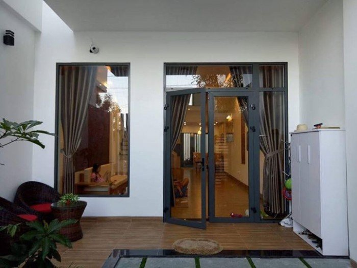 Cho thuê nhà mặt tiền nguyên căn đường Hoàng Diệu, DT: 7m x 15m