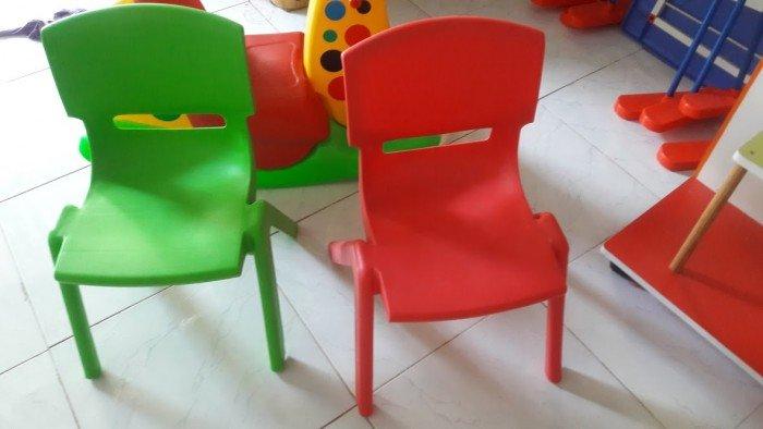 Ghế nhựa đúc nhập khẩu dành cho các bé trường mầm non1
