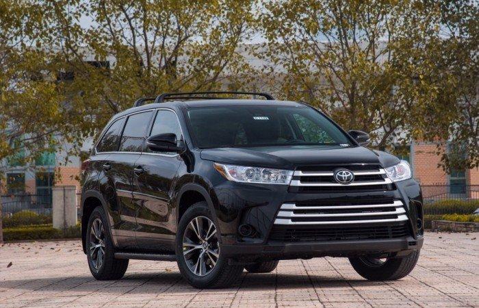 Bán Toyota Highlander LE 2018 mới 100%, nhập Mỹ, đủ màu, xe giao ngay