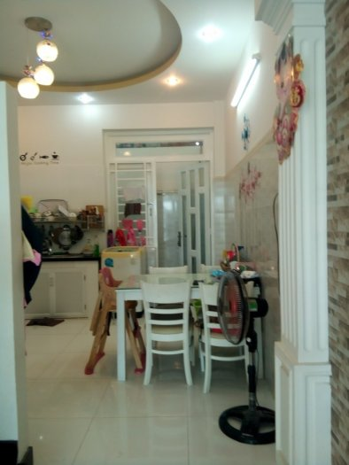 Bán nhà có máy chiếu mini đường 102, Tăng Nhơn Phú A, quận 9 giá 3.29 tỷ