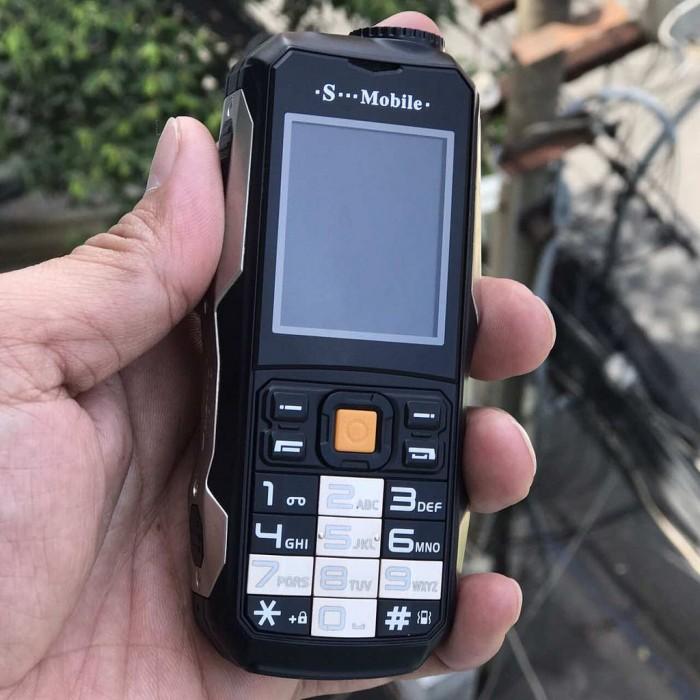 Điện thoại SMobile Idol sở hữu thiết kế động đáo mang lại cho người dùng phong cách cách tính khi sử dụng.