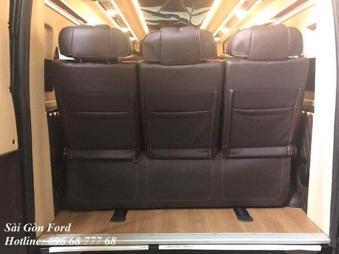 Xe Ford Transit Limousine 10 chổ phiên bản cao cấp