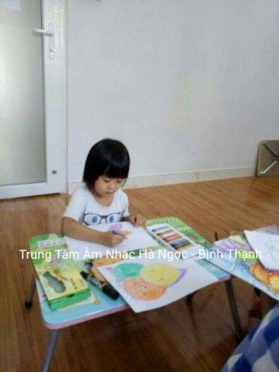 Trung tâm âm nhạc Hà Ngọc chiêu sinh bộ môn vẽ ở Q11