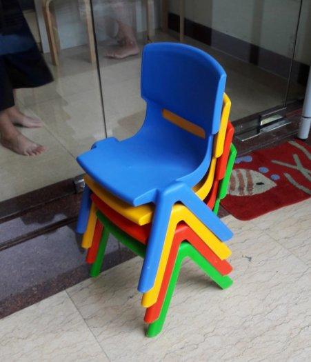 Ghế nhựa đúc nhập khẩu dành cho các bé trường mầm non5