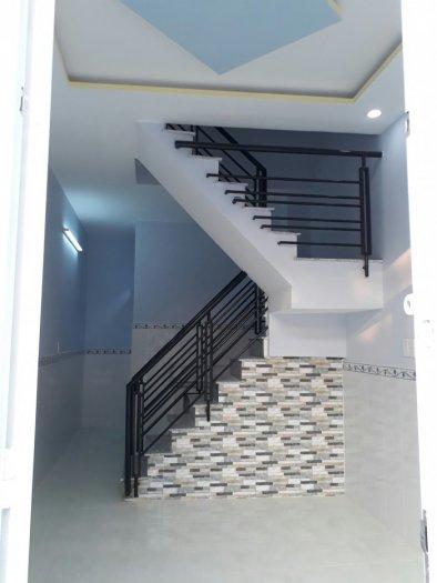 Nhà TX25, 1 trệt 1 lầu, DT 3x10m, giá 580tr/căn cách UB phường 200m