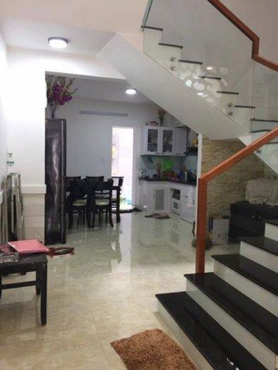 Cho thuê  nhà nguyên căn đường Nguyễn Tri Phương, 3 tầng- 3 mê