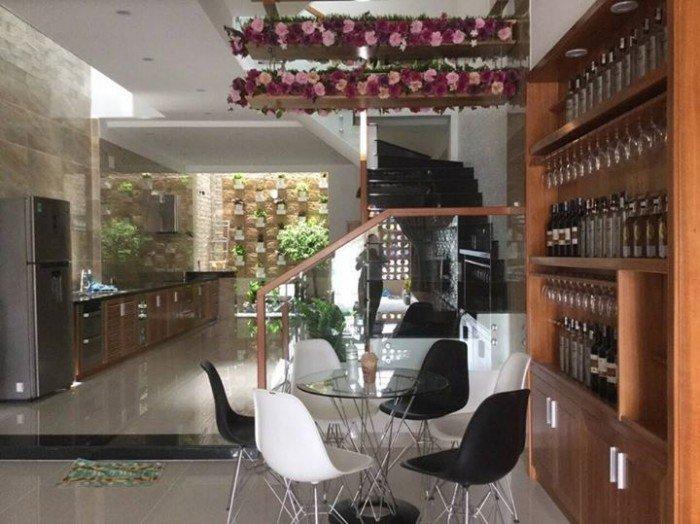 Cho thuê nhà nguyên căn đường Nguyễn Tất Thành, nhiều tiện nghi