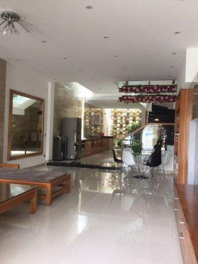 Cho thuê nhà nguyên căn đường Hùng Vương, nở hậu 8m DT: 360m2