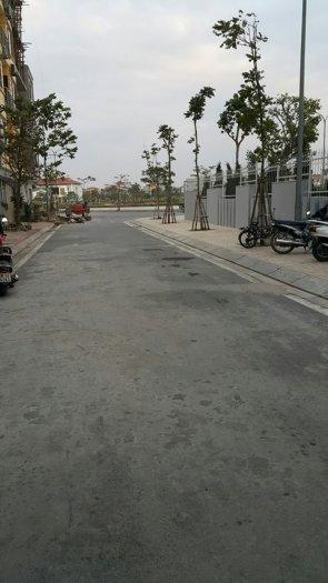 Bán đất Thạch Bàn,DT:44m2,MT:4,02m,hướng ĐN.Giá:44tr/m2