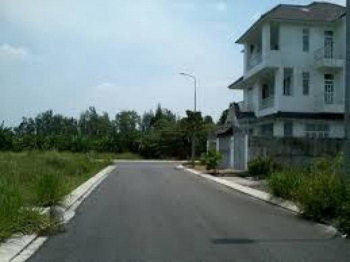 Nhà tôi cần bán 2 miếng đất thổ cư 5x20m, nguyễn văn bứa, hóc môn. Giá: 450tr