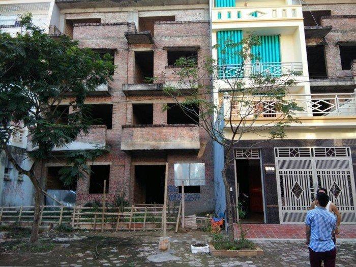 Bán Nhà xây thô lk2-14 khu đô thị mới Đông Sơn....