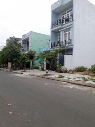 Cho thuê đất mặt tiền Nguyễn Công Trứ, sâu 40m nở hậu