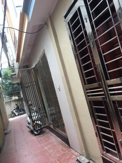 Nhà 5 tầng 25m2 SĐCC giá 1.39 tỉ ở ngõ 141/35 phố nam dư phường Lĩnh Nam,Quận Hoàng Mai Hà Nội