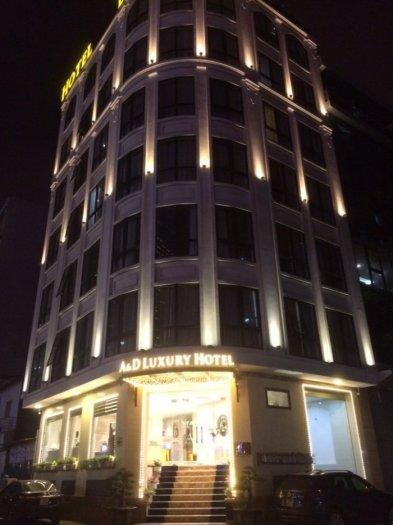 Bán gấp tòa nhà Lê Văn Lương , Nguyễn Thị Định , dt 200m2 , 8 tầng 1 hầm, thang máy, vị trí đắc địa