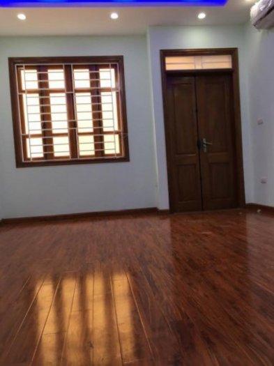 Nhà đẹp Kinh doanh, oto đỗ cửa phố Định Công thượng 48m2 xây 5 tầng giá 3.6 tỷ.