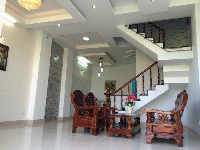 Bán nhà mặt tiền Hai Bà Trưng, P. Tân Định , Quận 1.