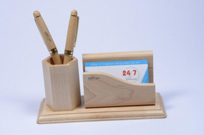 Quà tặng gỗ để bàn khắc laser0