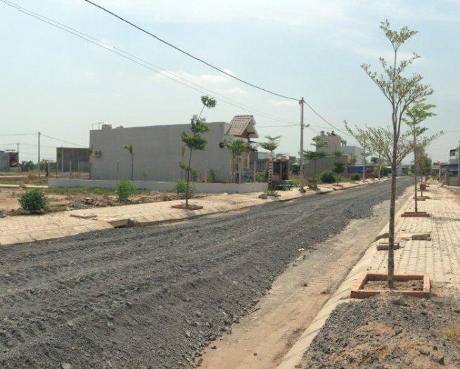 Bán đất ngay chợ xuân thới thượng, đường vào 16m, dt 80m2, shr