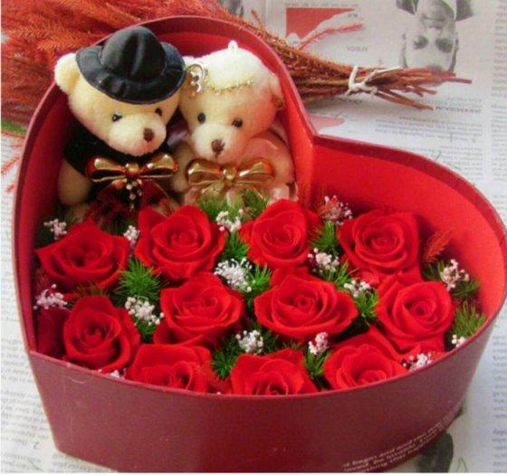 hoa hồng bất tử - hộp tim 11 hoa hoa hồng đỏ kèm gấu cặp5
