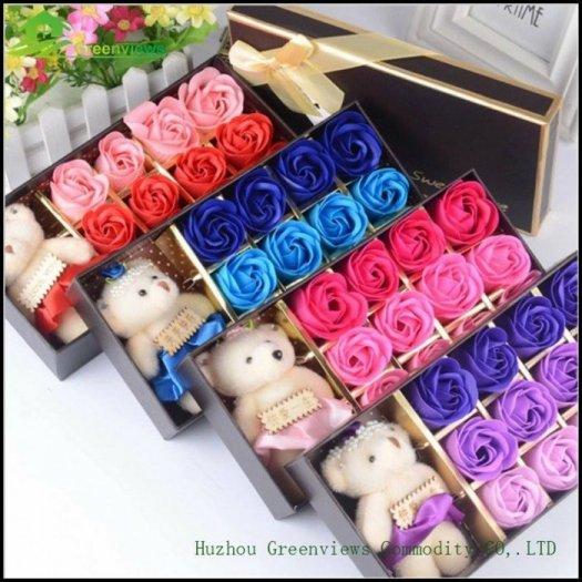 Hộp hoa sáp 12 bông kèm gấu - Gía bán 130k (4 màu)12