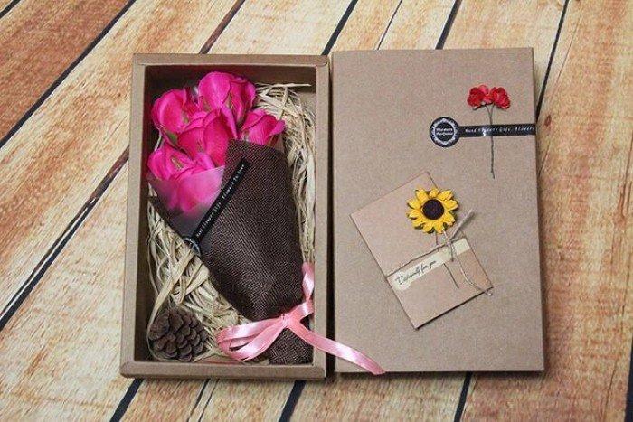 Hộp hoa sáp 7 bông cao cấp - Gía bán 180k (hồng sen)18