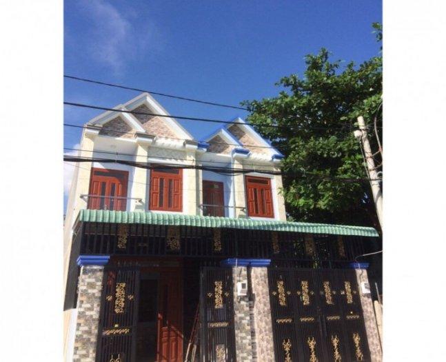 Cần bán nhà trên đường Lê Văn Việt, Q9  133m2/4 tỷ.