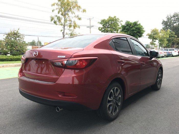 Mazda 2 Sedan 2017 đủ màu, có xe giao ngay, hỗ trợ vay 85% và nhiều quà tặng theo xe giá trị