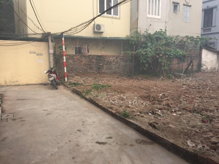 Bán đất Thạch Bàn DT 105m MT 6m Giá 30tr/m2