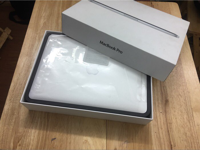 Macbook pro retina 13inch MGX72 fullbox4