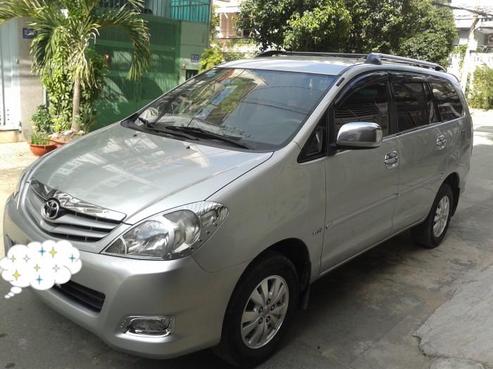 Toyota Innova G 2010 màu bạc zin