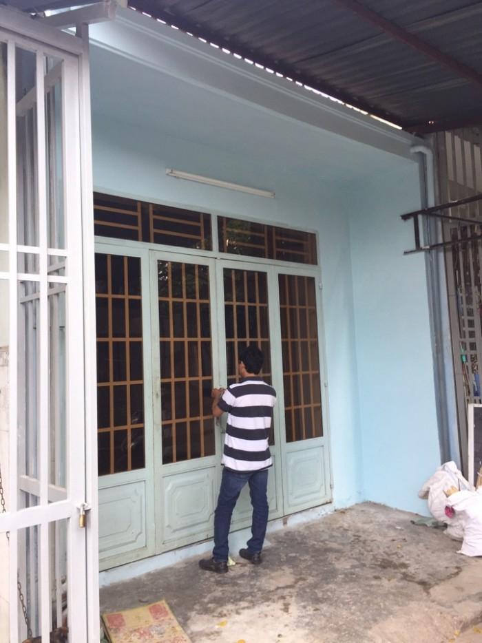 Cần bán nhà đường Võ Văn Vân .DT 5x12 nhà cấp 4 có gác lửng mới đẹp vô ở liền