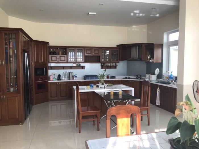 Cần bán gấp biệt thự khu dân cư Phú Xuân Vạn Phát Hưng,DT10x24m,1 hầm 3 lầu.