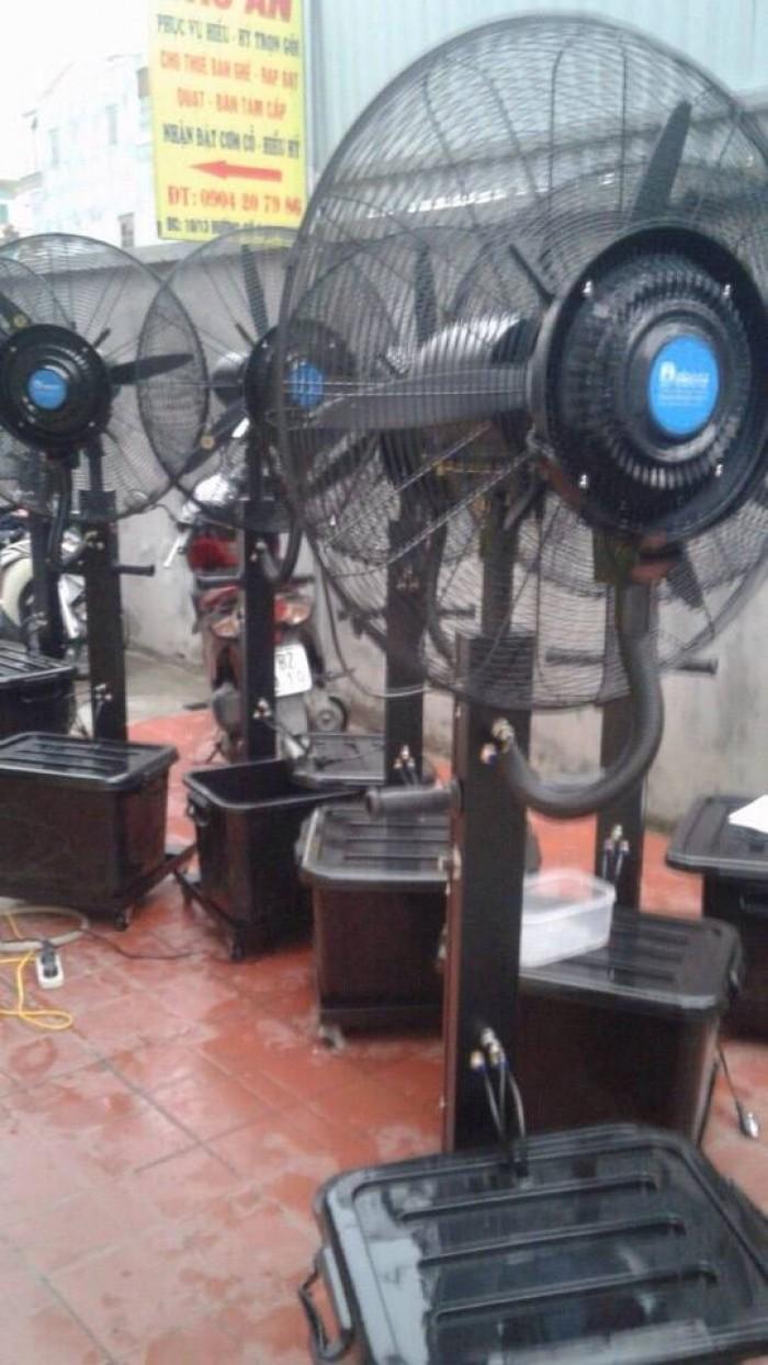 Quạt phun sương công nghiệp DB-26CF03: Model:  DB-26CF03 Điện áp: 220/110V Tần suất: 50Hz-60Hz Công suất: 260 W Lượng gió: 138m3/min Nhiệt độ: 2-4 độ C Dung tích bình chứa: 41L Lượng phun sương: 0-5kg/h Trọng lượng (kg): 26,12