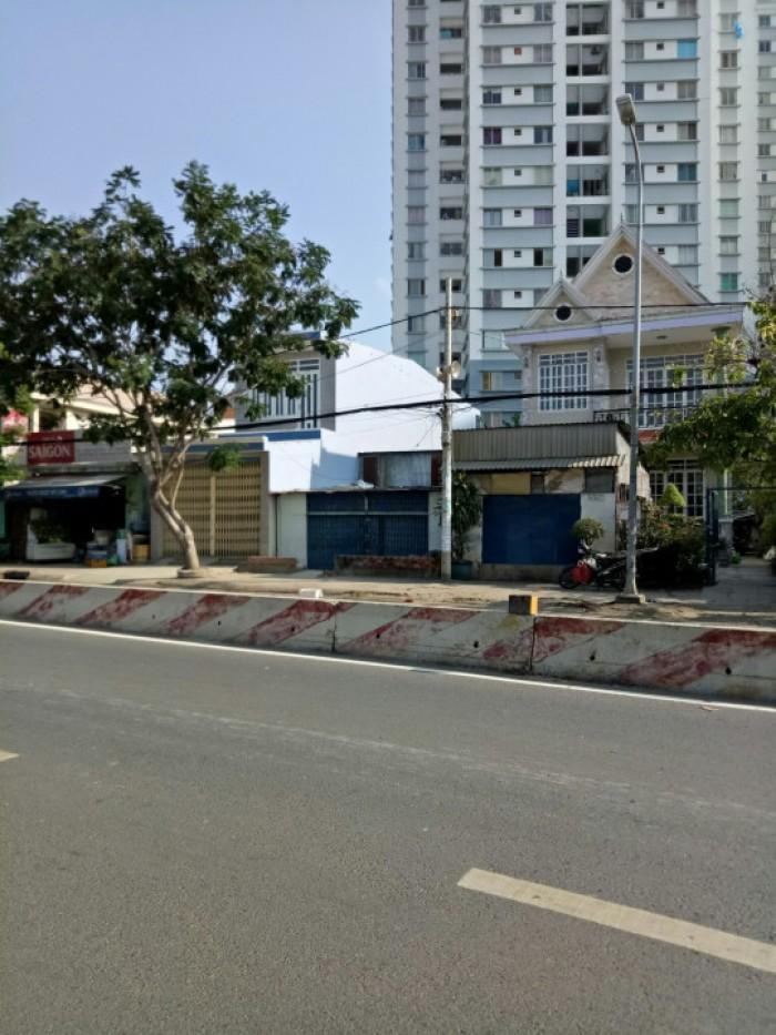 Bán gấp nhà MT Huỳnh tấn Phát, ngay trung tâm thị trấn Nhà Bè, DT 5,5x26m.Giá 7,5 tỷ